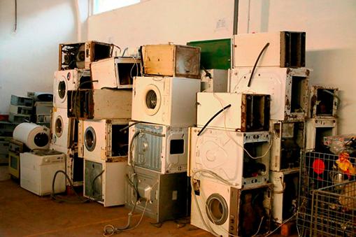 Colectarea pentru reciclare a masinilor de spălat vase sau rufe
